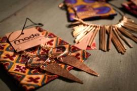 oorhanger - Metho Earrings grey by Made Kenya