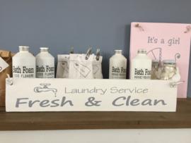 """Houten bord """" Laundryservice"""""""