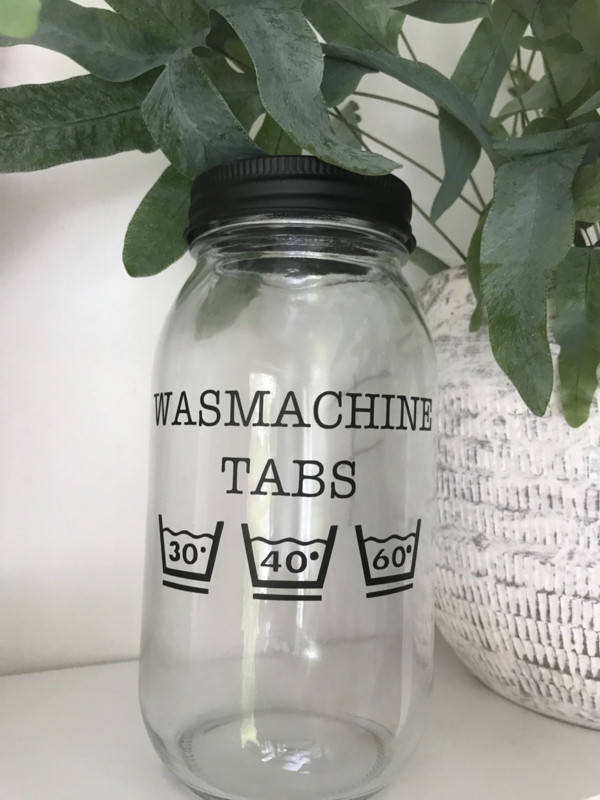 Glazen pot voor de wasmachine tabs