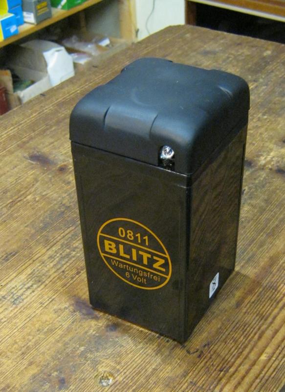 Blitz  0811 ,  6 volt accu. onderhoudsvrij.
