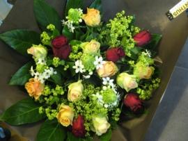 """Boeket """"Gemengde rozen""""€ 15,00"""