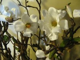 """Bloemstuk """"Magnolia""""  € 75,-"""