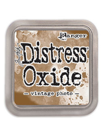 Distress Oxide: Vintage Photo
