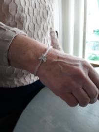 rozenkwarts armbandje met sterling zilver vlinder