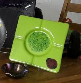 Grote groene 'asbak'