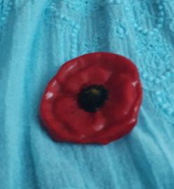 Poppy broche