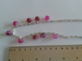 roze / rood ketting