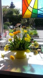 gele tulpenvaas