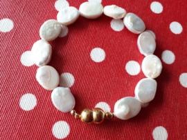 ovale barok parel armband met verguld slot