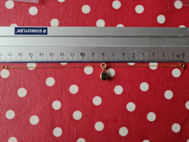 Labradoriet hangertje aan armband