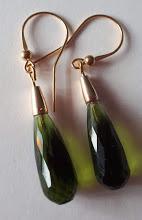 Olive quartz oorbellen