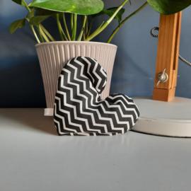 Hartverwarmer zwart/wit zigzag