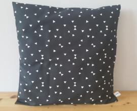 Kussenhoes zwart/wit driehoekje 40x40