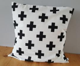 Kussenhoes wit/zwart plusje 50x50