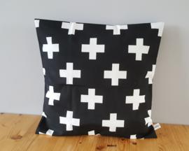 Kussenhoes zwart/wit plusje 50x50
