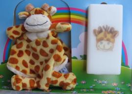 Geboortekaars Giraffe  & knuffeldoek in geschenkdoos