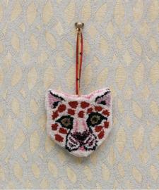 Pinky Leopard hanger