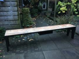 Bank/ tafel van sloophout met stalen onderstel