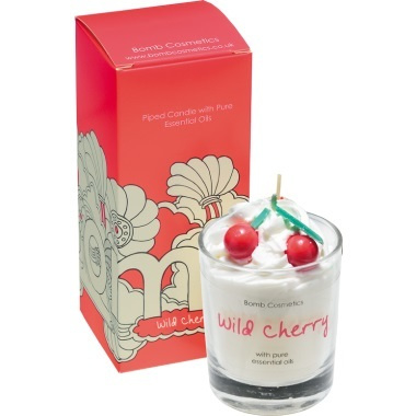 Bomb Cosmetics -  geurkaars Wild Cherry Whipped Piped Candle