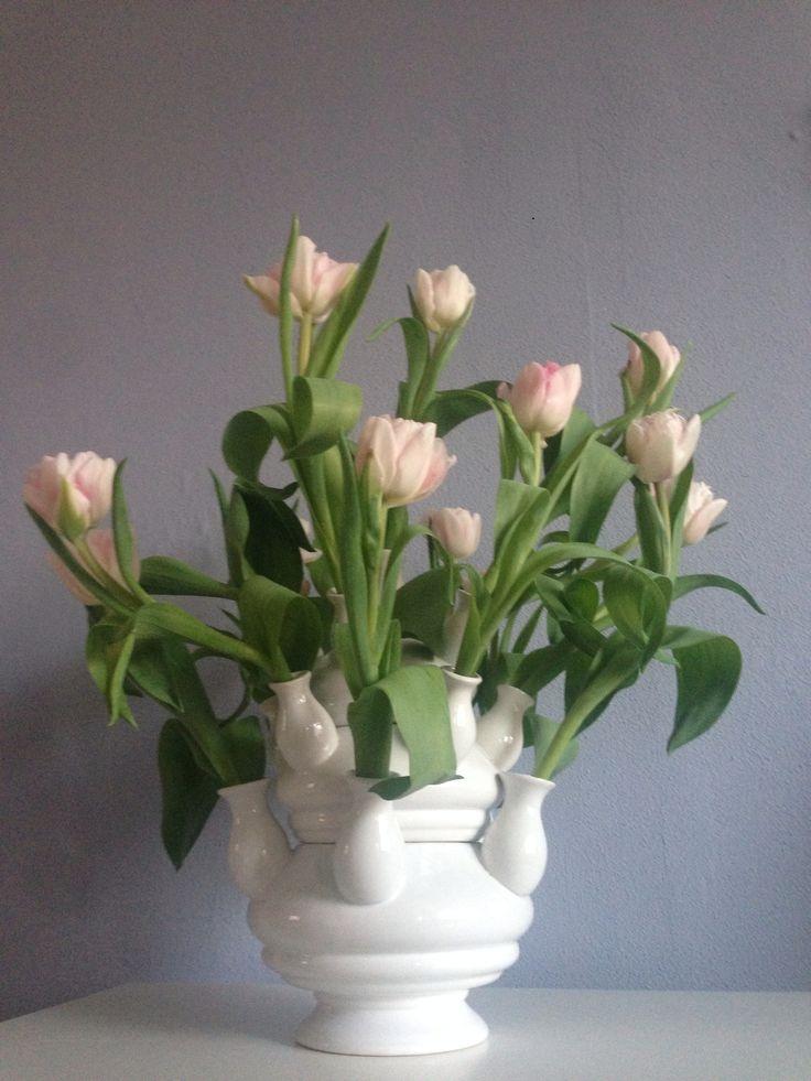 tulpenvaas met tulpen