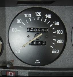 Kilometerteller tot 220 km/u