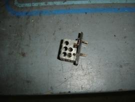 Weerstand kachelmotor laat