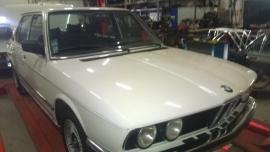 BMW E12 528i Automaat 1981 (Verkocht)