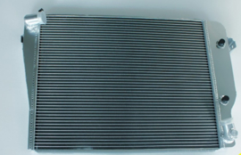 Radiator M30 motor automaat aluminium nieuw