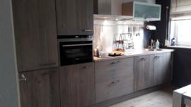 Keuken met steigerhouten fronten