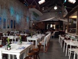 Steigerhouten horeca inrichting bij Restaurant Visj in Bergen op Zoom