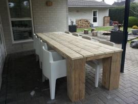 Tafel Bikkel, stoere steigerhouten tafel