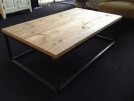 Salon tafel Marco industrieel onderstel met steigerhouten blad