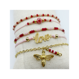 armbandje macramé tussenstuk Love