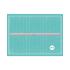 We R Memory Keepers magnetic cutting mat & ruler (14x18 inches)