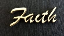 Faith 5 x 1,7 cm 3 mm dik houtboard per stuk