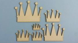 Kroontjes in 6 maten 10-8-6-5-4-3 cm 1,5 mm dik chipboard 6 stuks