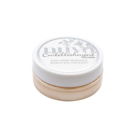 Nuvo Embellishment mousse - chai latte 831N