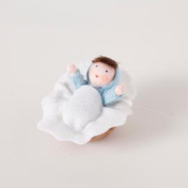 Baby in Walnoot blauw - Viltpop kant en klaar