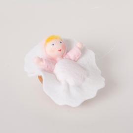 Baby in Walnoot Roze - Viltpopje kant en klaar