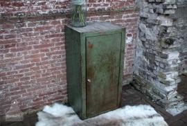 Oude industriële kast (131214) verkocht