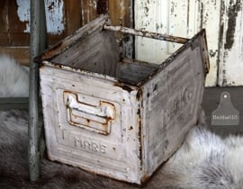 Oud industrieel krat bak (131649)..verkocht