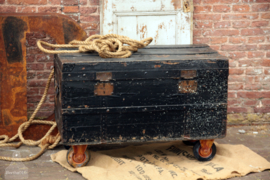 Oude Franse koffer op wielen (136204) verkocht