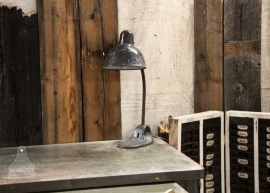 Oude fabrieks/bureaulamp (131066)..verkocht