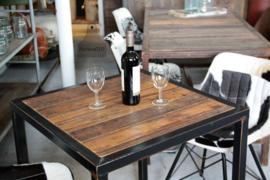 Industriële horeca tafel op maat, oud hout (133519)..verkocht