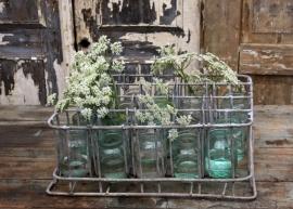 Oud krat met glazen potjes (131220)..verkocht