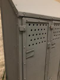 Smalle  oude locker (143360)