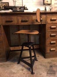 Authentieke atelierstoel in hoogte verstelbaar (139920) verkocht