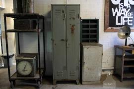 70 jaar oude locker (132398).....verkocht