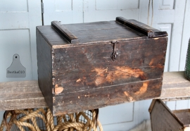 Oude houten kist (131707) verkocht