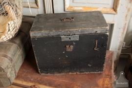 Zwarte geleefde kist (132278)..verkocht